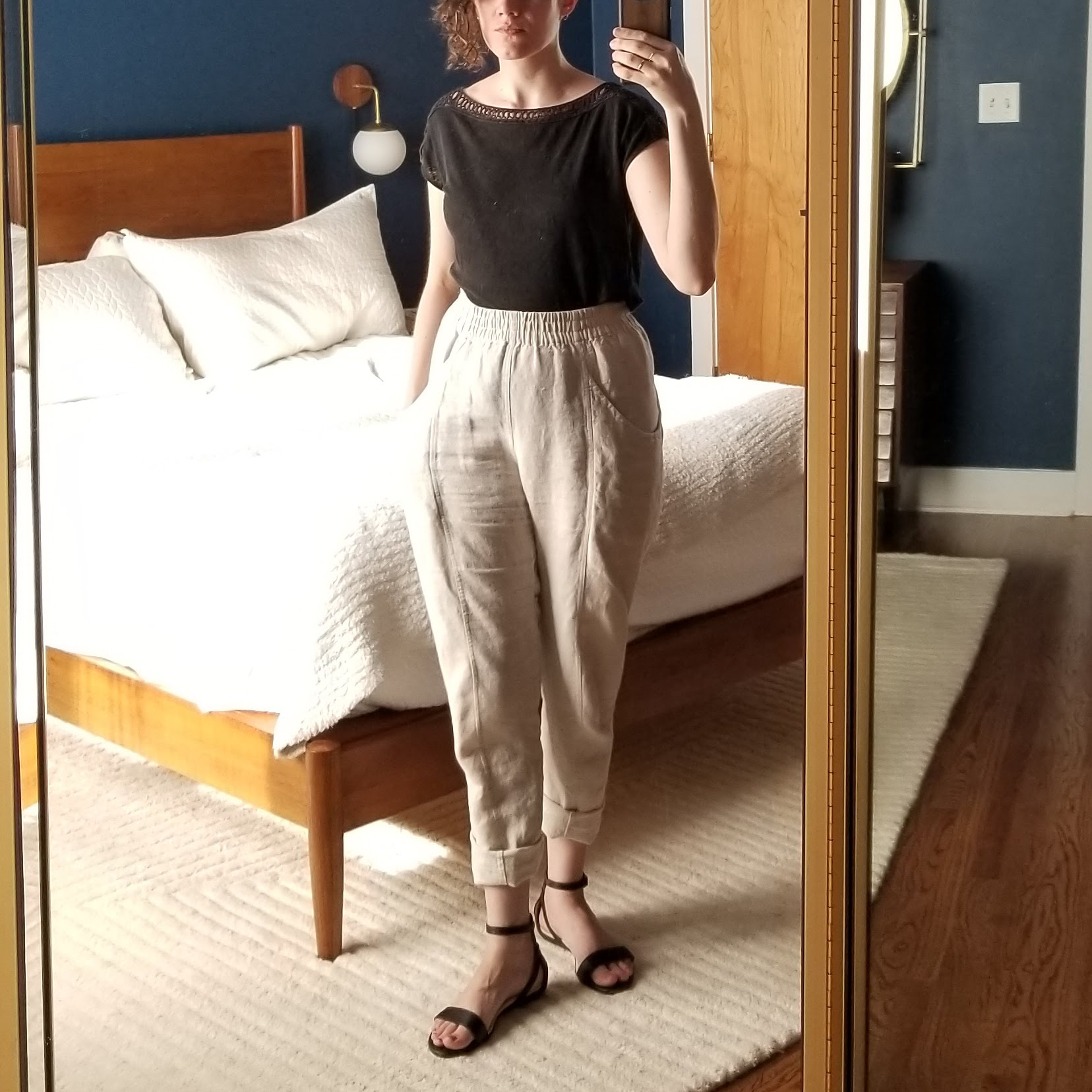 Monday - May 21, 2018Linen on linen, black over flax. The debut of the sandals I snapped up from Slowre. They are the same as my other favorite pair in the pale honey color (please bring back pale honey!)Shirt / Loft (1H)Pants / Elizabeth Suzann (1H)Shoes / Nisolo (2H - Slowre)