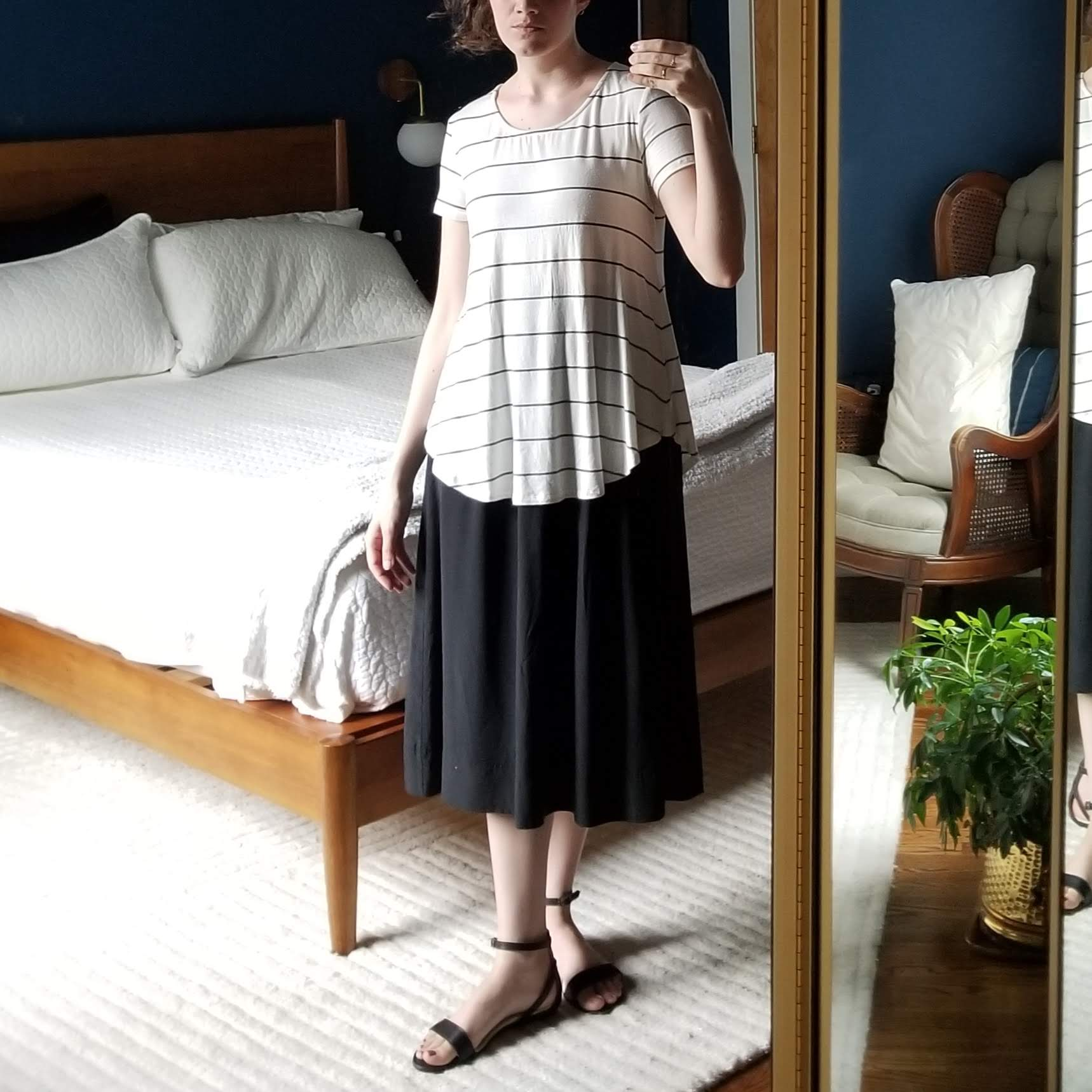 Tuesday - June 5, 2018I was THRILLED with how this turned out. Building on my neo-lagenlooks from a couple weeks ago (Friday, May 11, 2018), I paired the Elizabeth Suzann bel skirt yet again with a new drapey top layer and got this. I wore this shirt and skirt combo previously, but now it has an entirely different look.