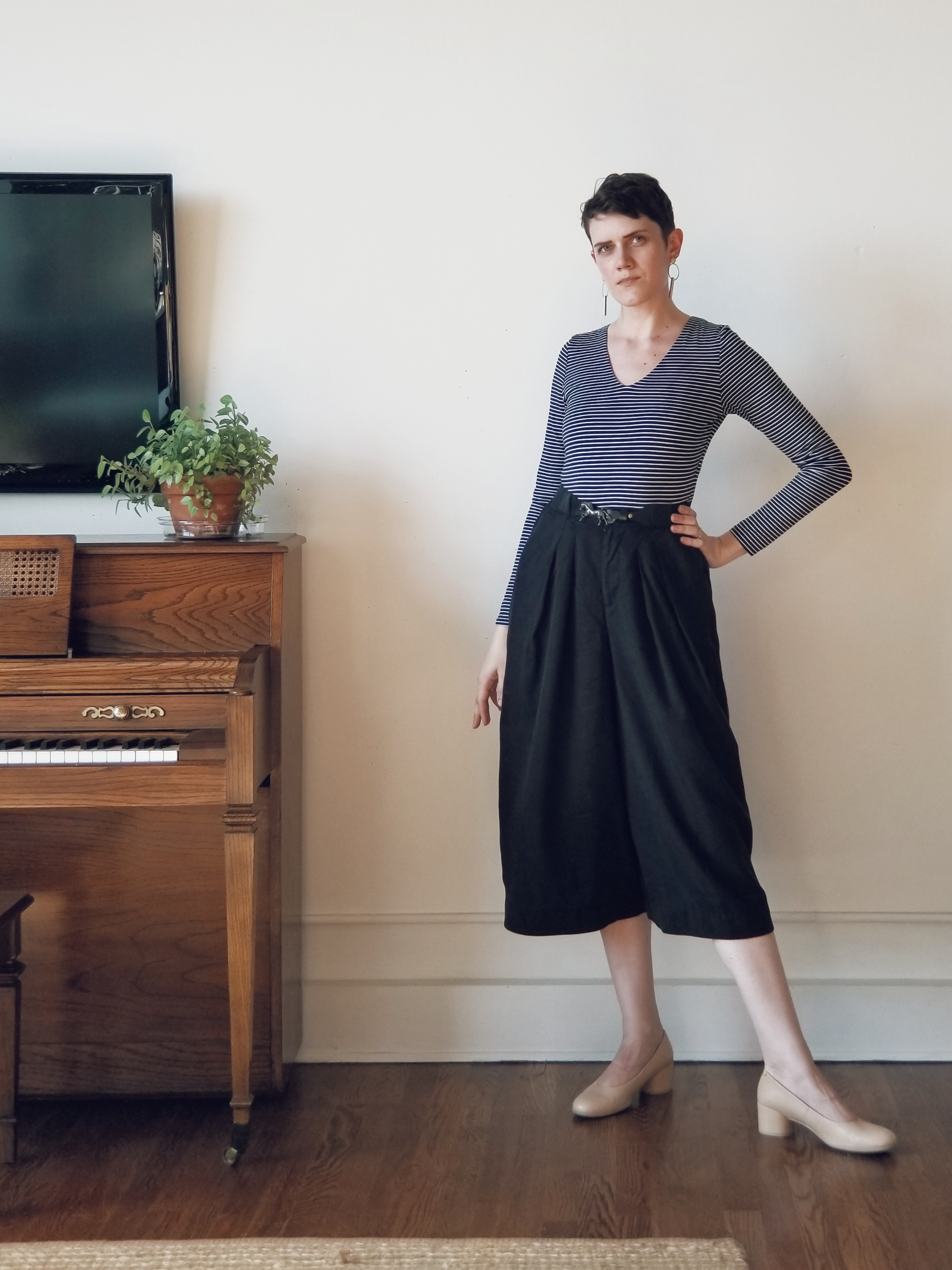 Everlane long-sleeve v-neck bodysuit  pictured together with my new Jennifer Glasgow tencel pants and Ecco heels.