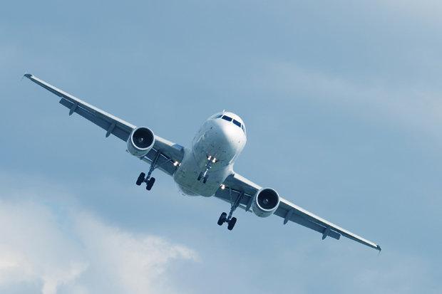Plane-painted-white-548527.jpg