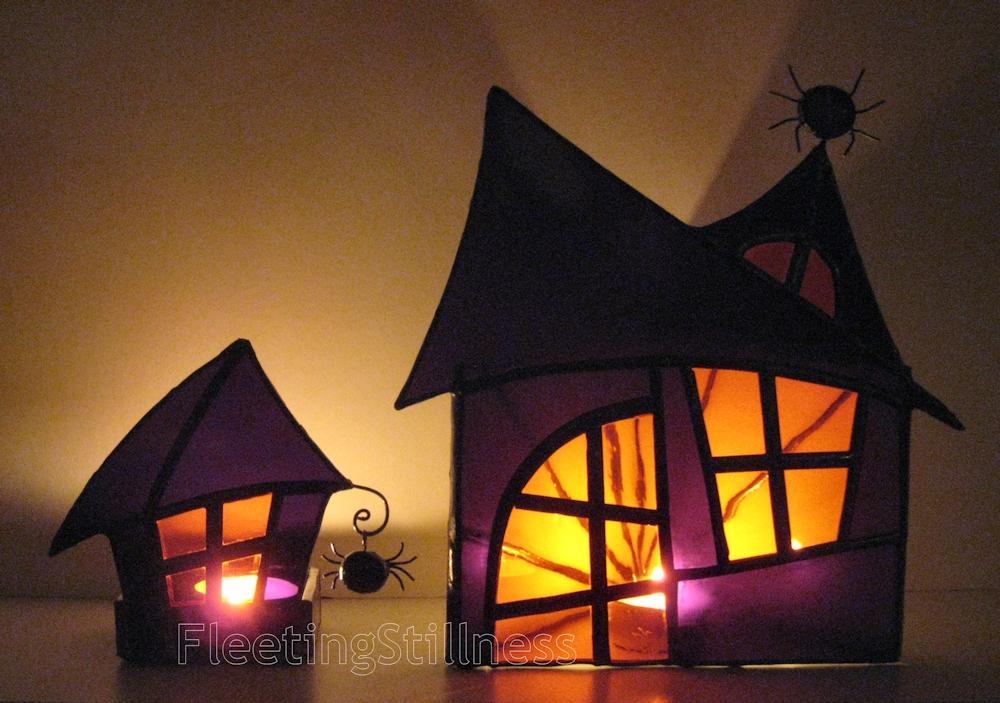 53_halloweenHouseLanterns_2.jpg
