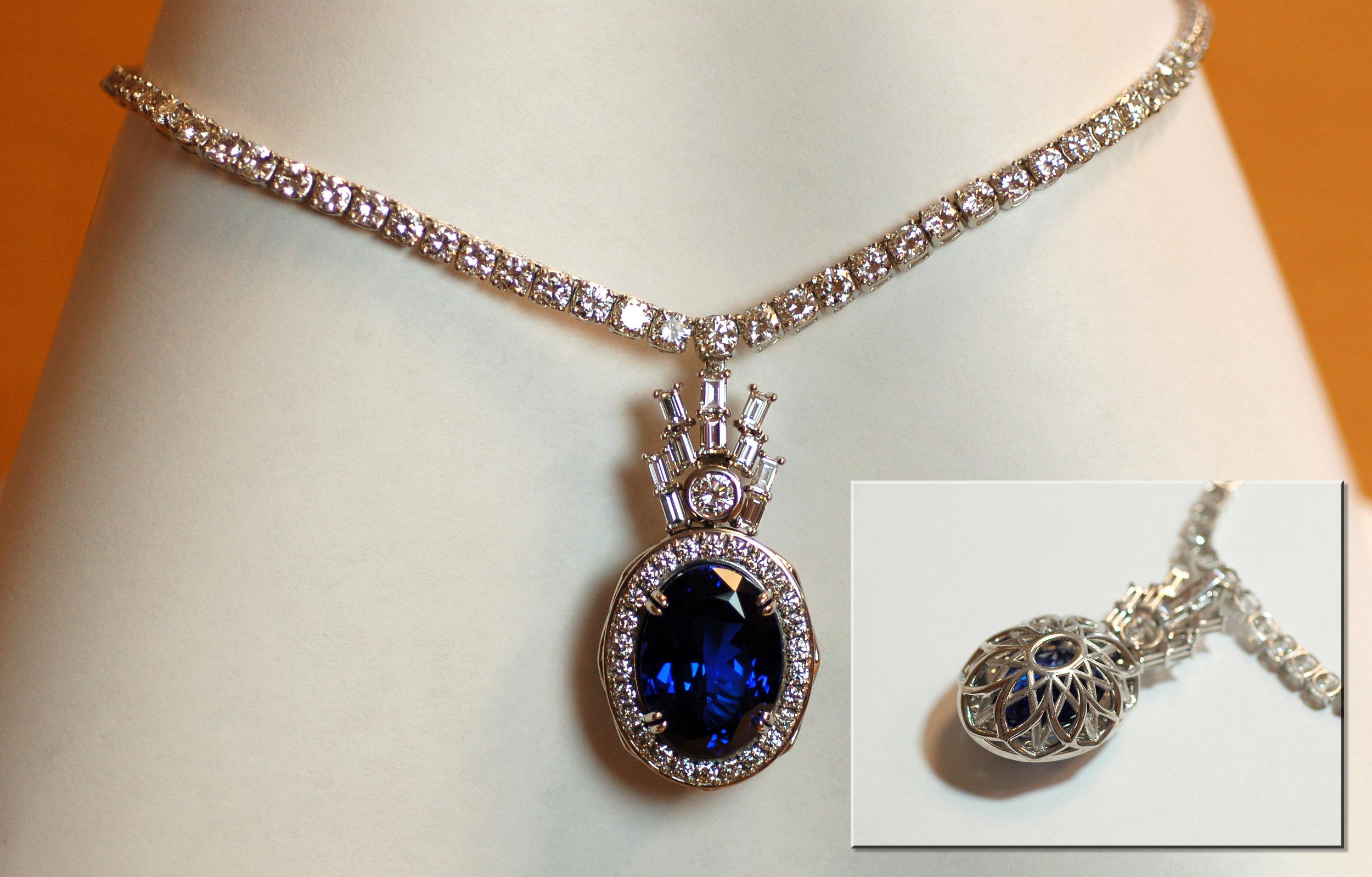 Large oval Tanzanite pendant