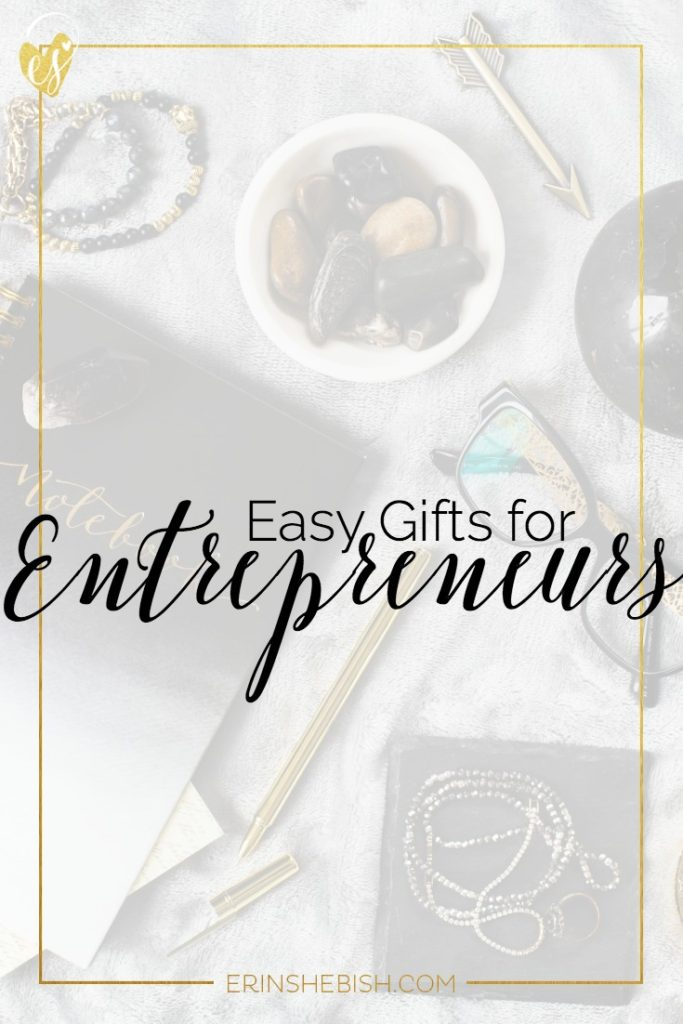 Easy Gifts for Entrepreneurs | Don't let your biz bestie down this holiday season! Here are some amazing gift ideas that are perfect for entrepreneurs!