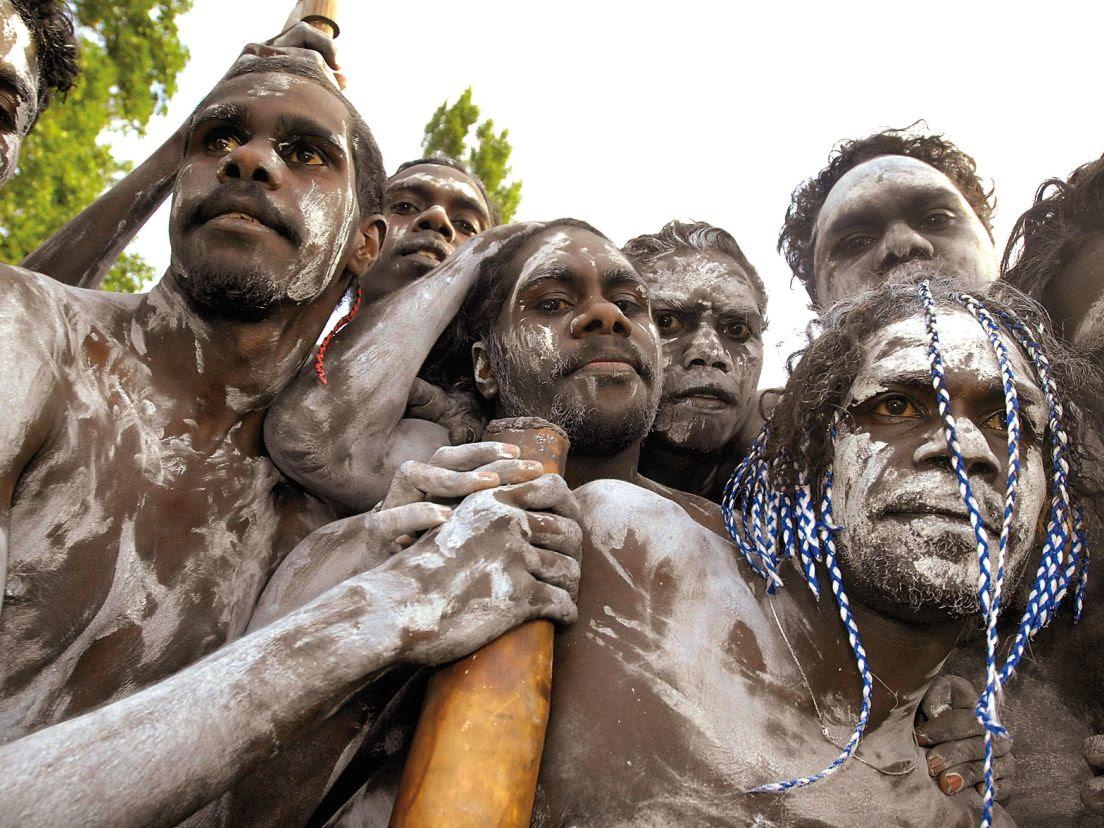 Australianos aborígenes. En el siglo XVIII tenían un mundo ético bien desarrollado, a pesar de ignorar a Moisés, Jesús y Mahoma. Mark Graham, AP