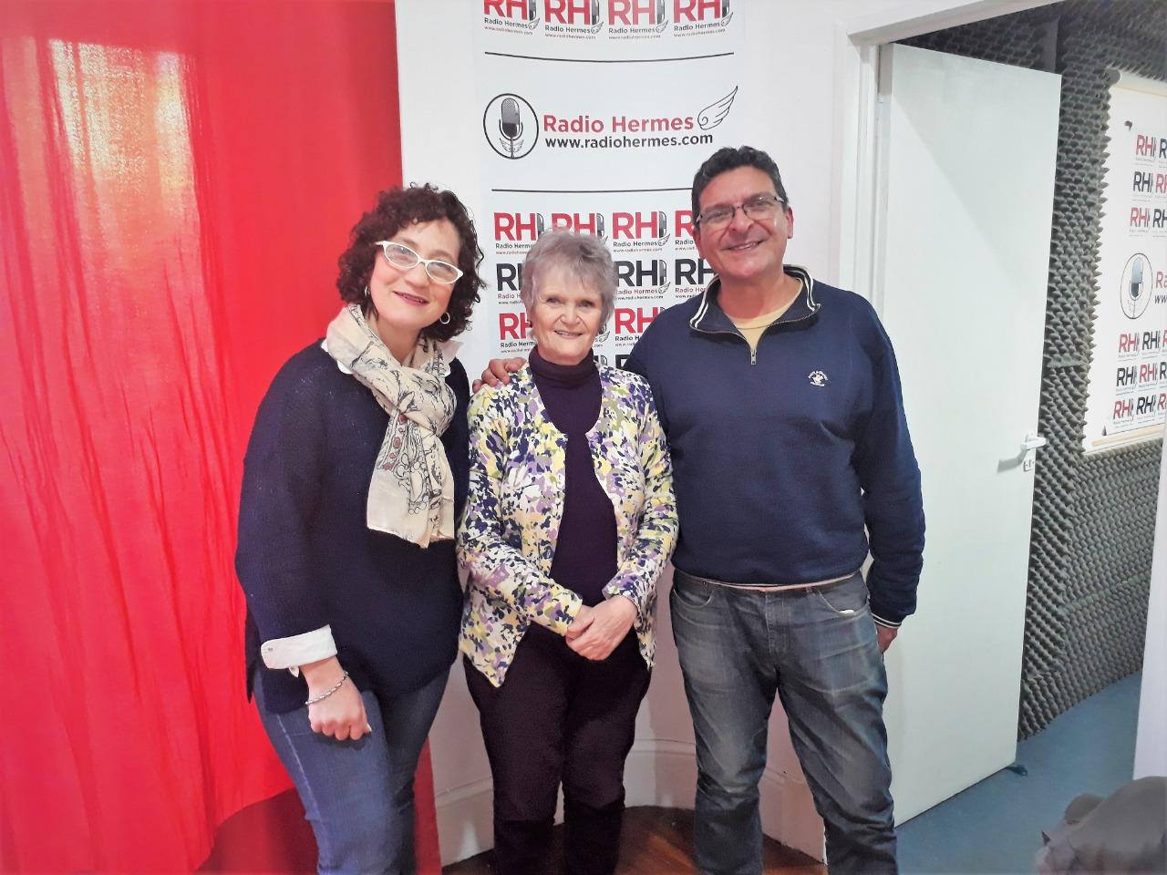 Después de la charla, Lena Reingold y Marcelo Della Mora en la sede de Radio Hermes, el emprendimiento cultural de Pablo Duarte.