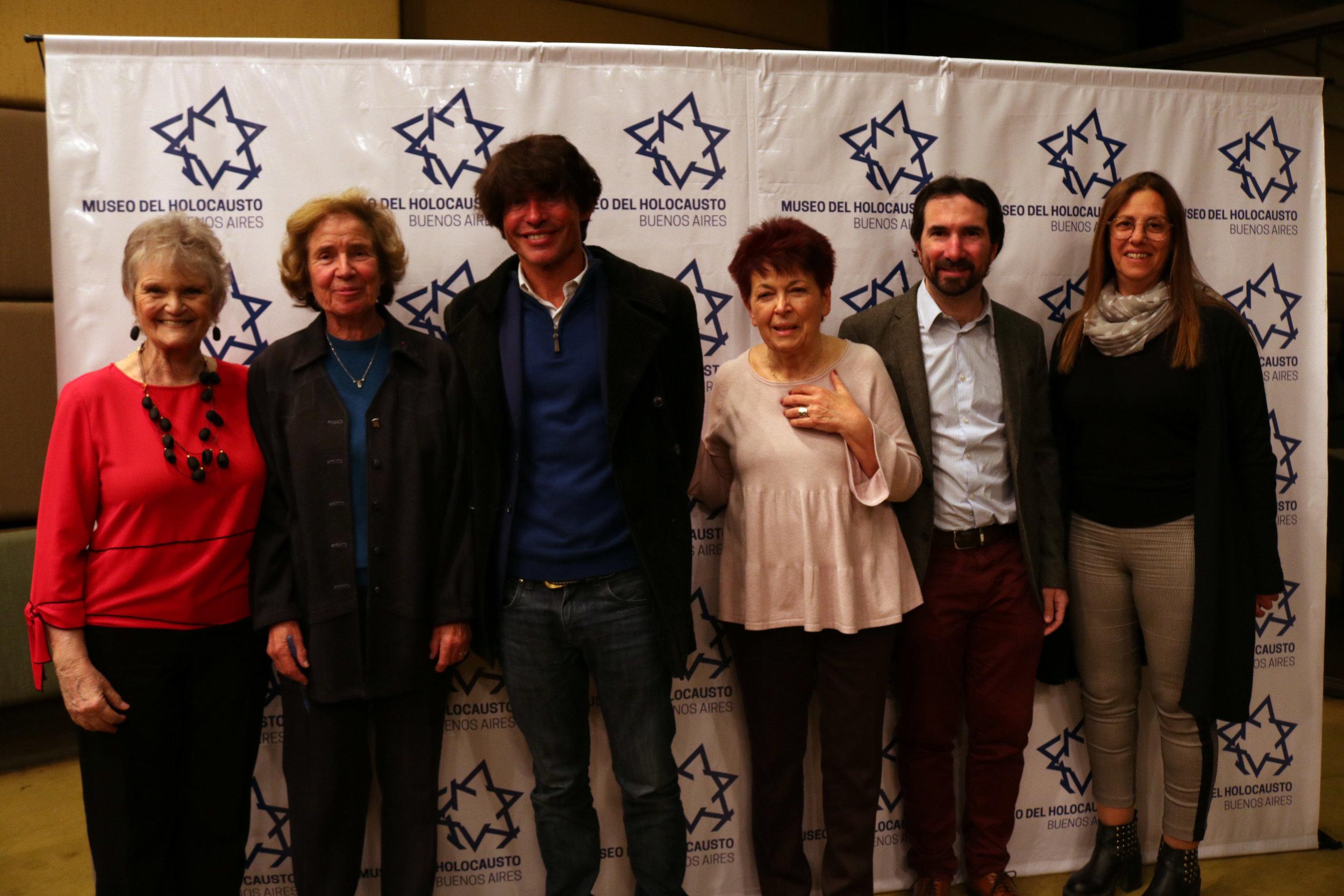 Con Beate y Arno Klarsfeld, Hélène Gutkowski, Jonathan Karszenbaum y Fabiana Mindlin