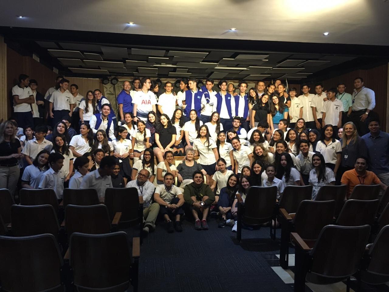 con los alumnos del Colegio Hebreo Unión