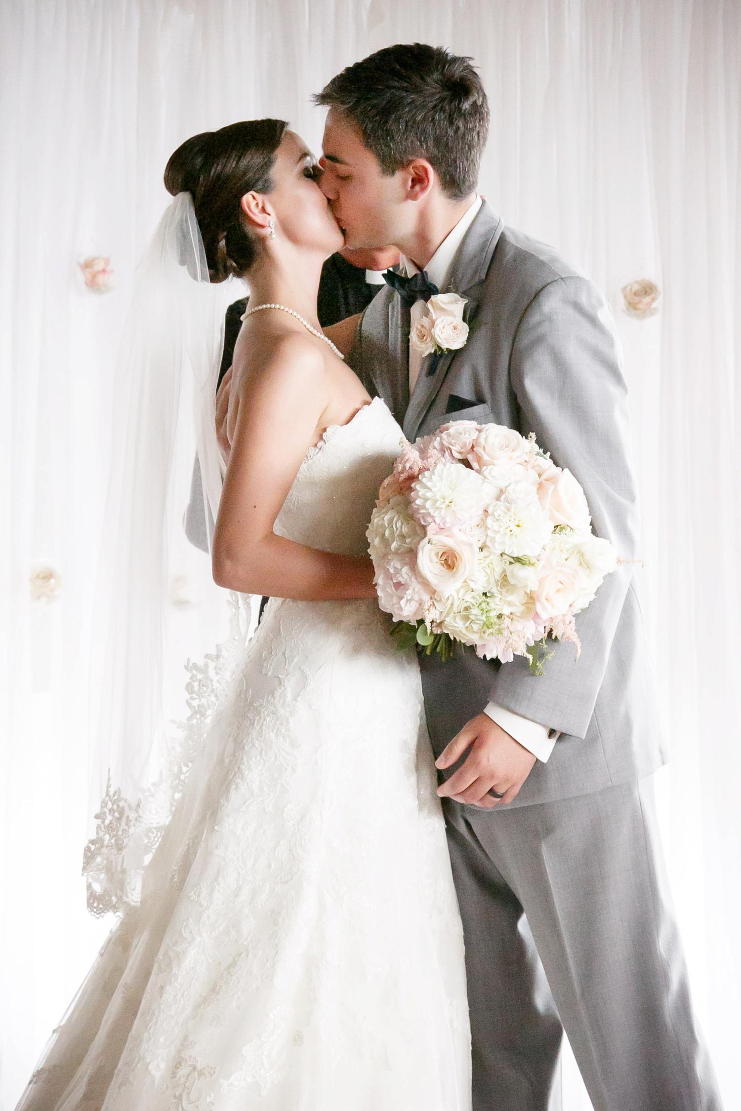 lawrence-university-warch-center-wedding-adam-shea-photography_0026.jpg