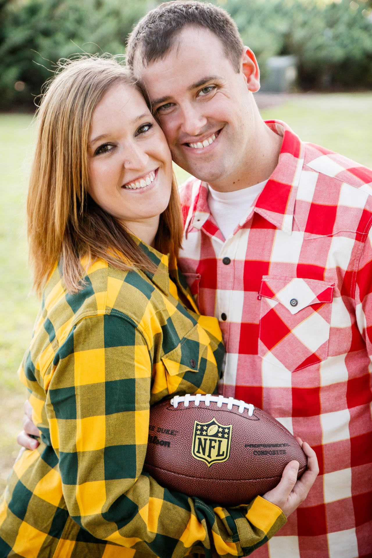 engagement-photos-riverside-park-neenah-adam-shea-photography-green-bay-appleton-neenah-photographer-11.jpg