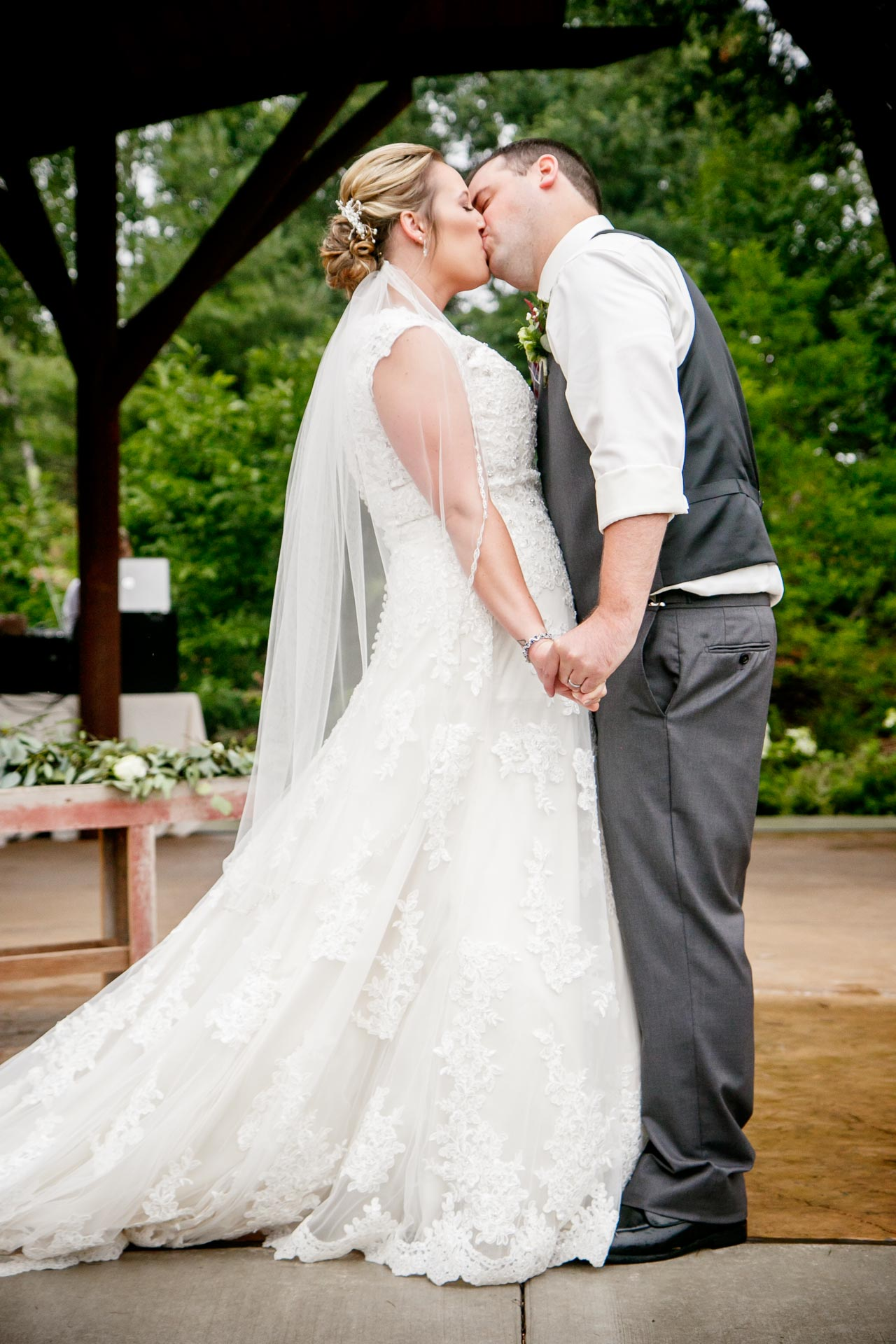 green-bay-botanical-gardens-wedding-adam-shea-photography-green-bay-appleton-neenah-photographer-10.jpg