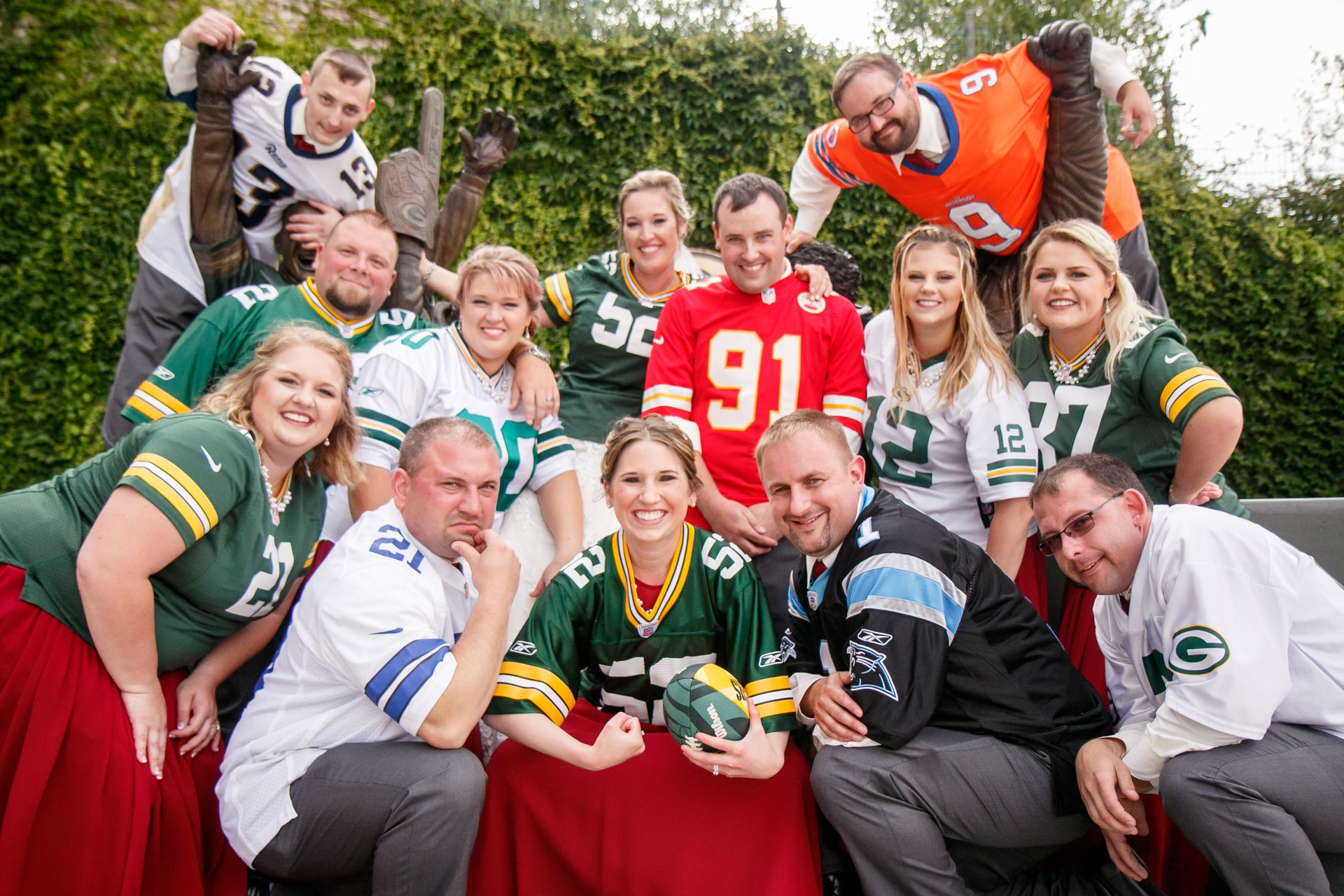 lambeau-field-wedding-bride-groom-adam-shea-photography-green-bay-appleton-neenah-photographer-6.jpg
