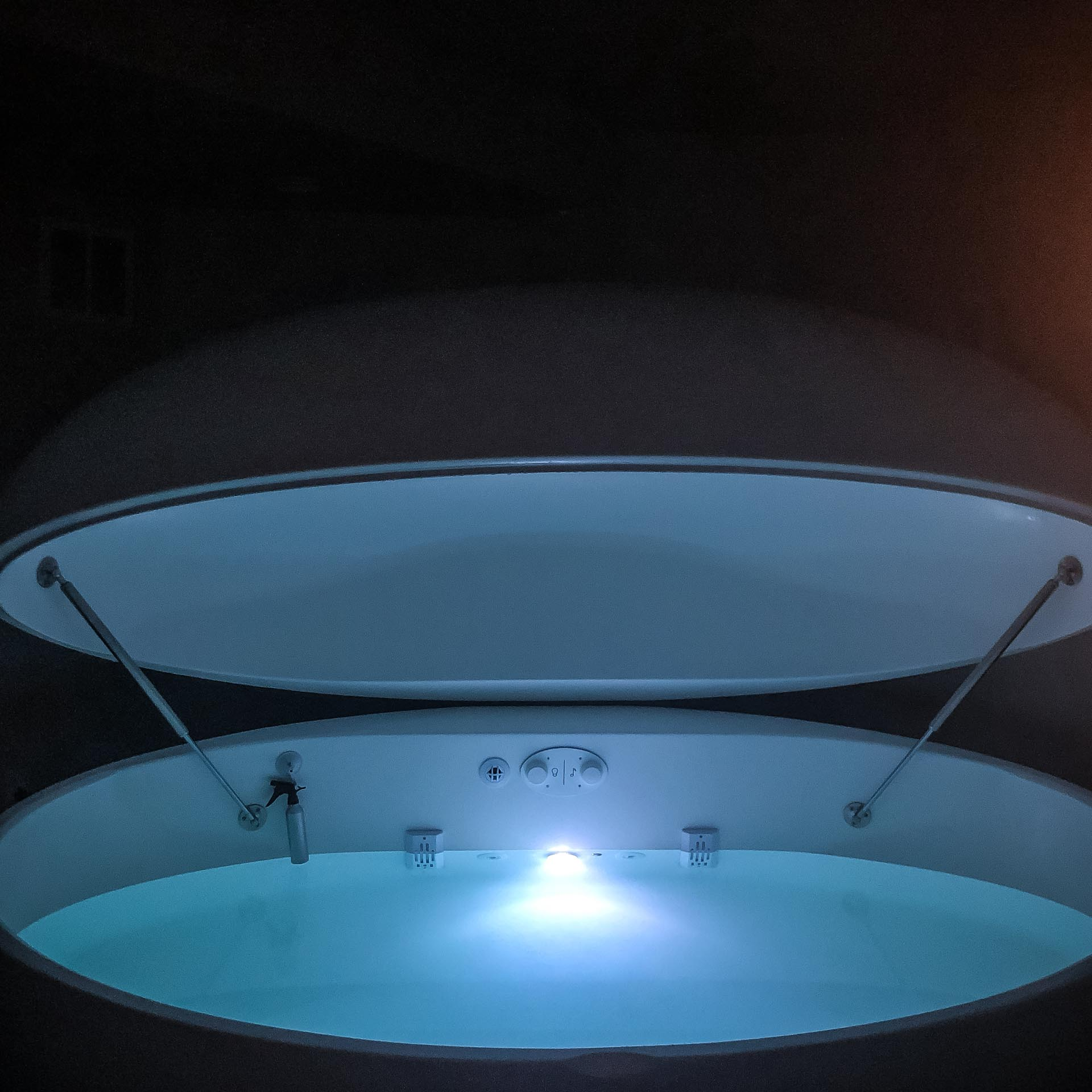 BUOY floatation + rejuvenation is a float spa company based in Neenah, WI. I had the opportunity to try a 60 minute float session. I came out feeling refreshed, relaxed and rejuvenated.