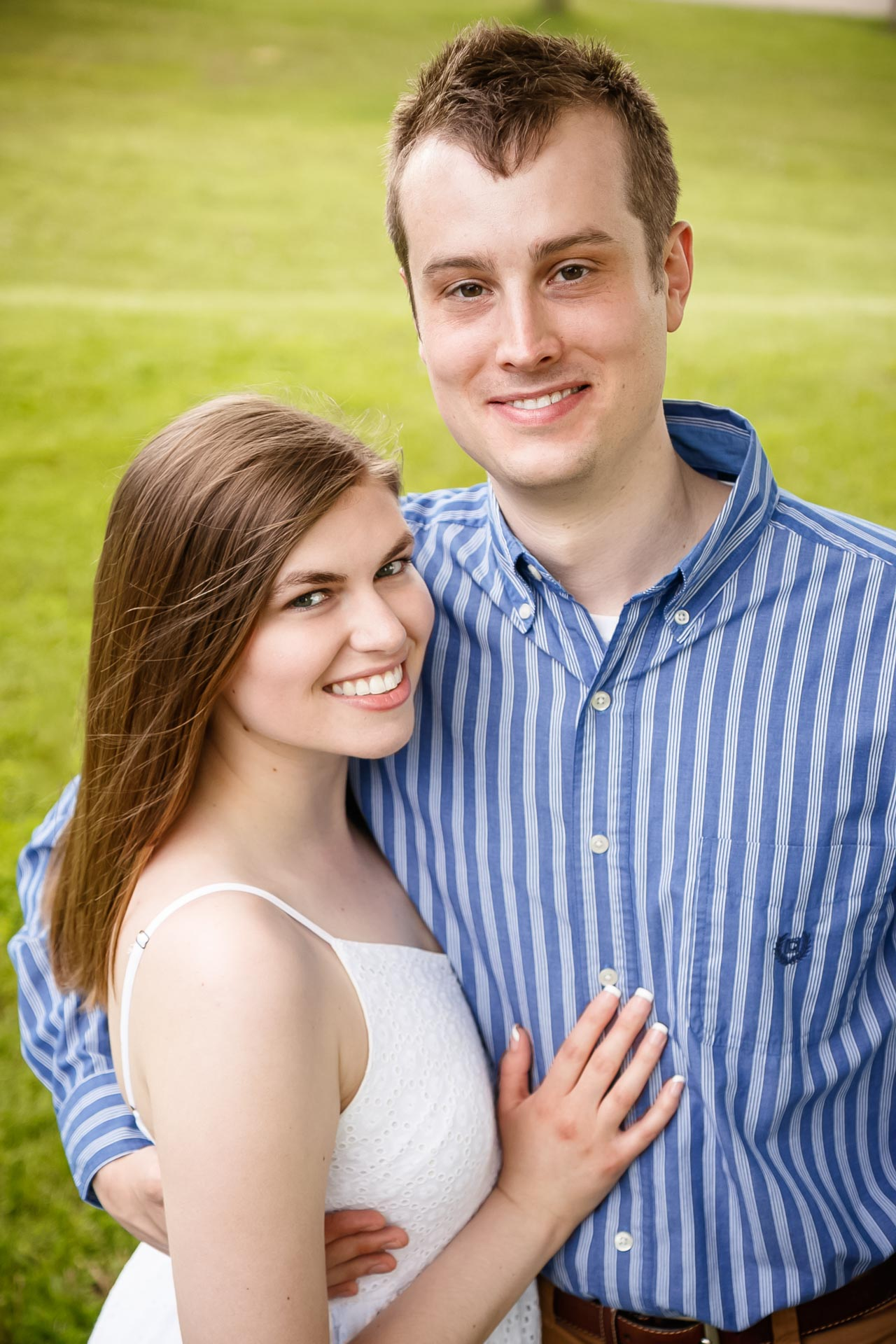 engagement-photos-voyageur-park-de-pere-wisconsin-wi-adam-shea-photography-adam-shea-photography-green-bay-appleton-neenah-photographer-13.jpg