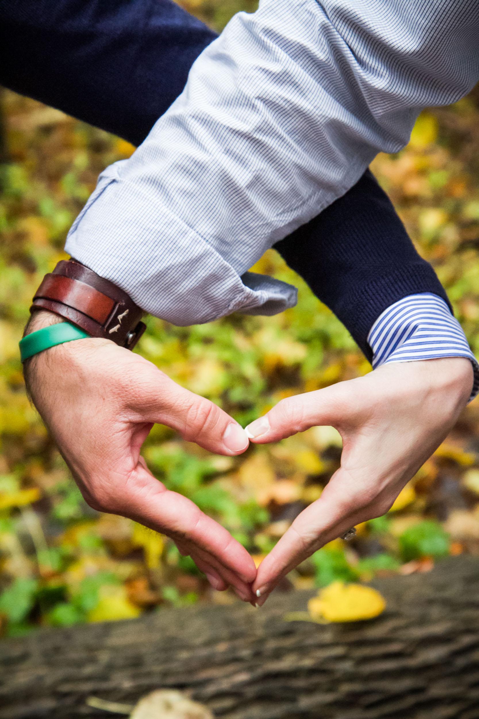 fall-engagement-photos-pamperin-park-green-bay-wisconsin--adam-shea-photography-green-bay-appleton-neenah-photographer.jpg