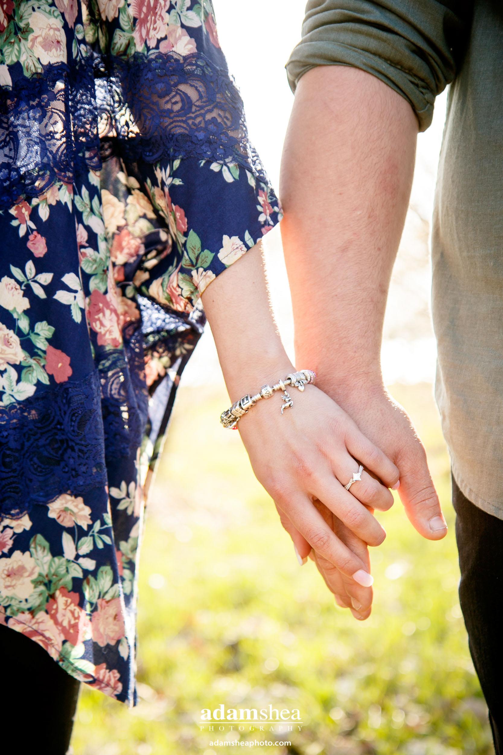 fall-engagement-photos-clothes-to-wear-adam-shea-photography-green-bay-appleton-neenah-photographer-16-2.jpg