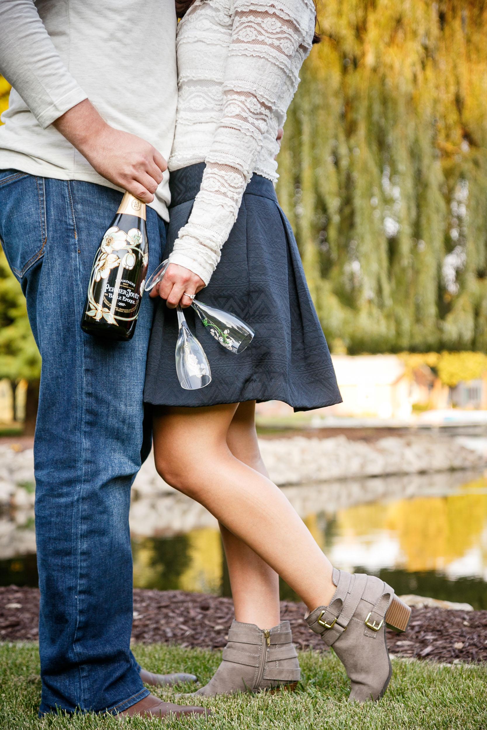 fall-engagement-photos-props--adam-shea-photography-green-bay-appleton-neenah-photographer-19.jpg