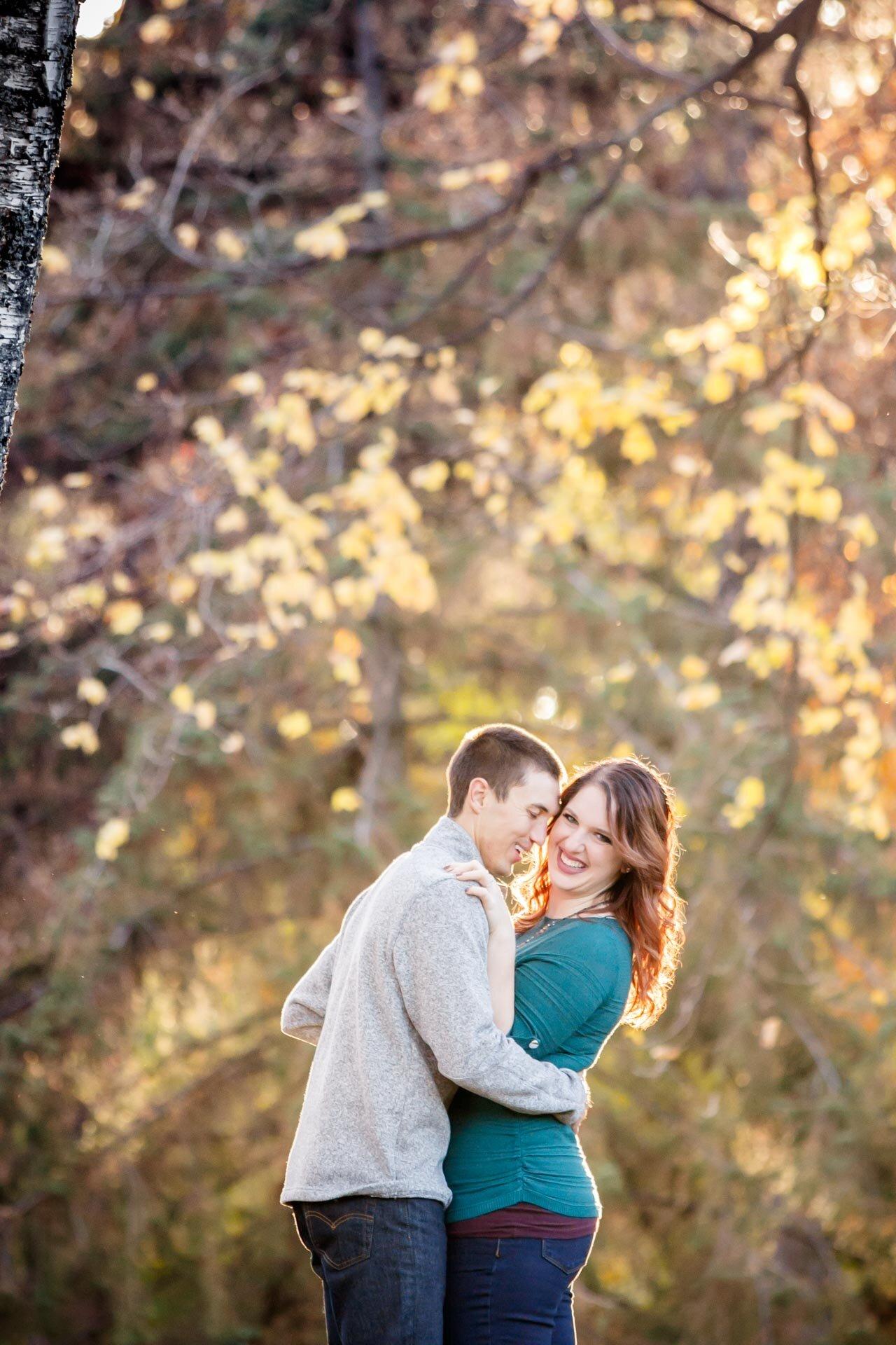 adam-shea-photography-fall-autumn-lighting-engagement-wedding-photos-adam-shea-photography-green-bay-appleton-neenah-photographer-20.jpg