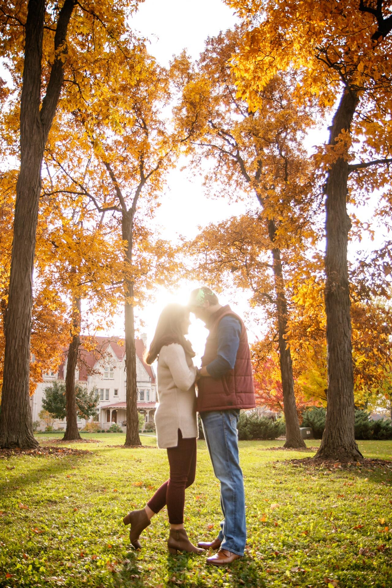autumn-lighting-afternoon-colors-adam-shea-photography-green-bay-wisconsin-neenah-adam-shea-photography-green-bay-appleton-neenah-photographer-06.jpg