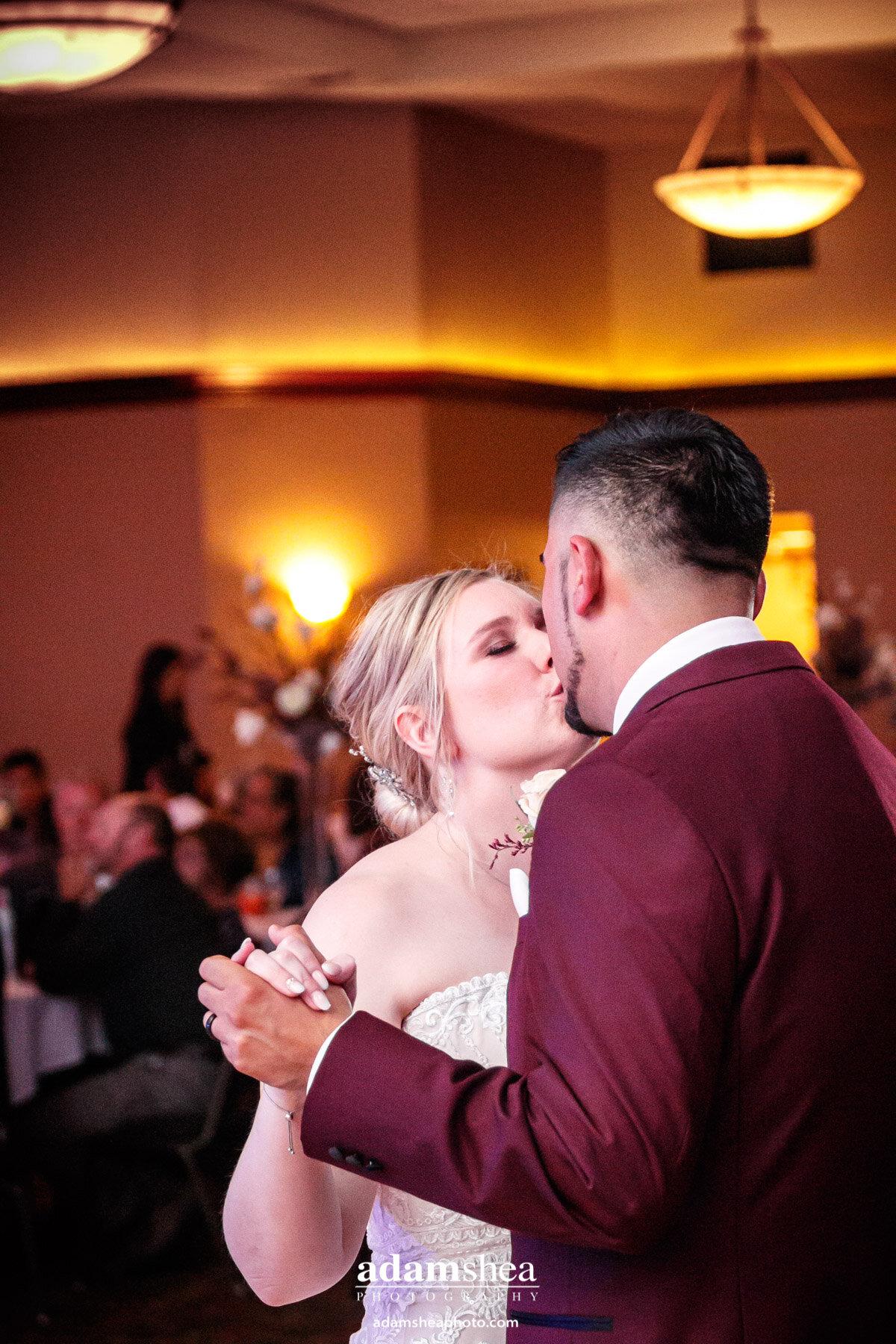 Taylor-Favian-Wedding-Menasha-WI-Waverly-Beach-Adam-Shea-Photography00004.jpg