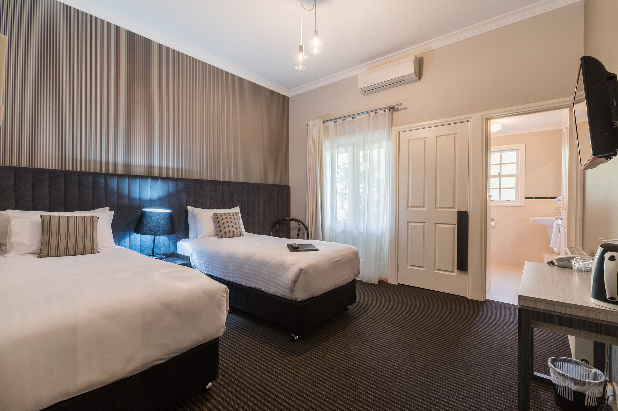 Customised Rooms - We regularly customise our Guest Rooms to suit our guests, such as transforming our comfy King beds into Twin accommodation, and adding additional singles in our larger rooms where more than two need accommodating.Talk to us about your needs and we'll do all we can to make your stay at Oscars on the Yarra a delightful, comfortable and memorable experience you will be keen to enjoy again and again.