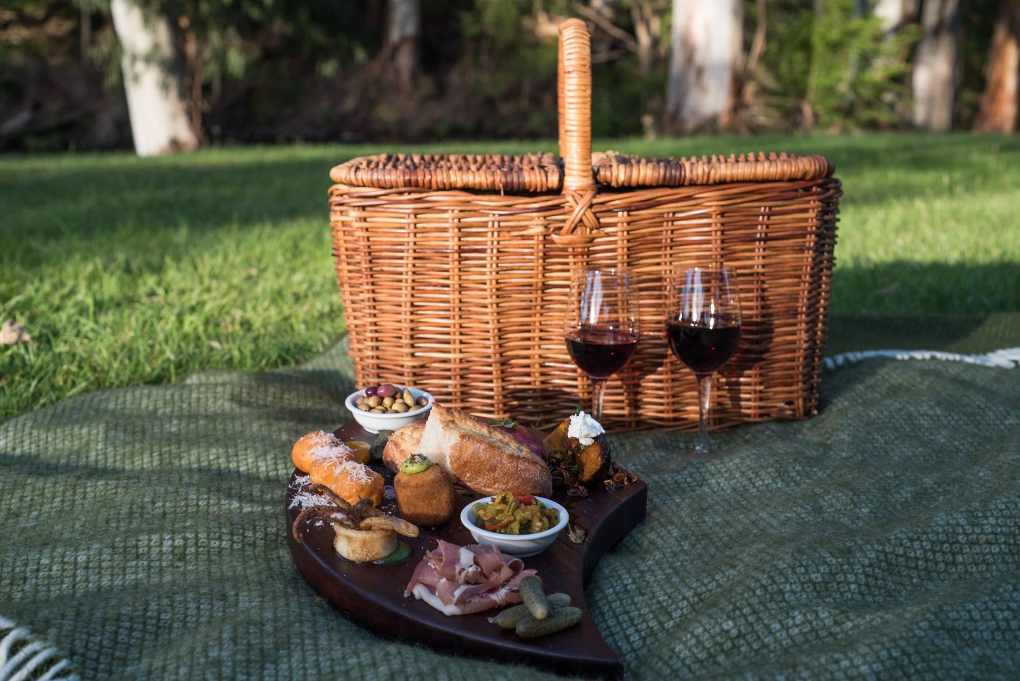 picnic-hamper-001.jpg