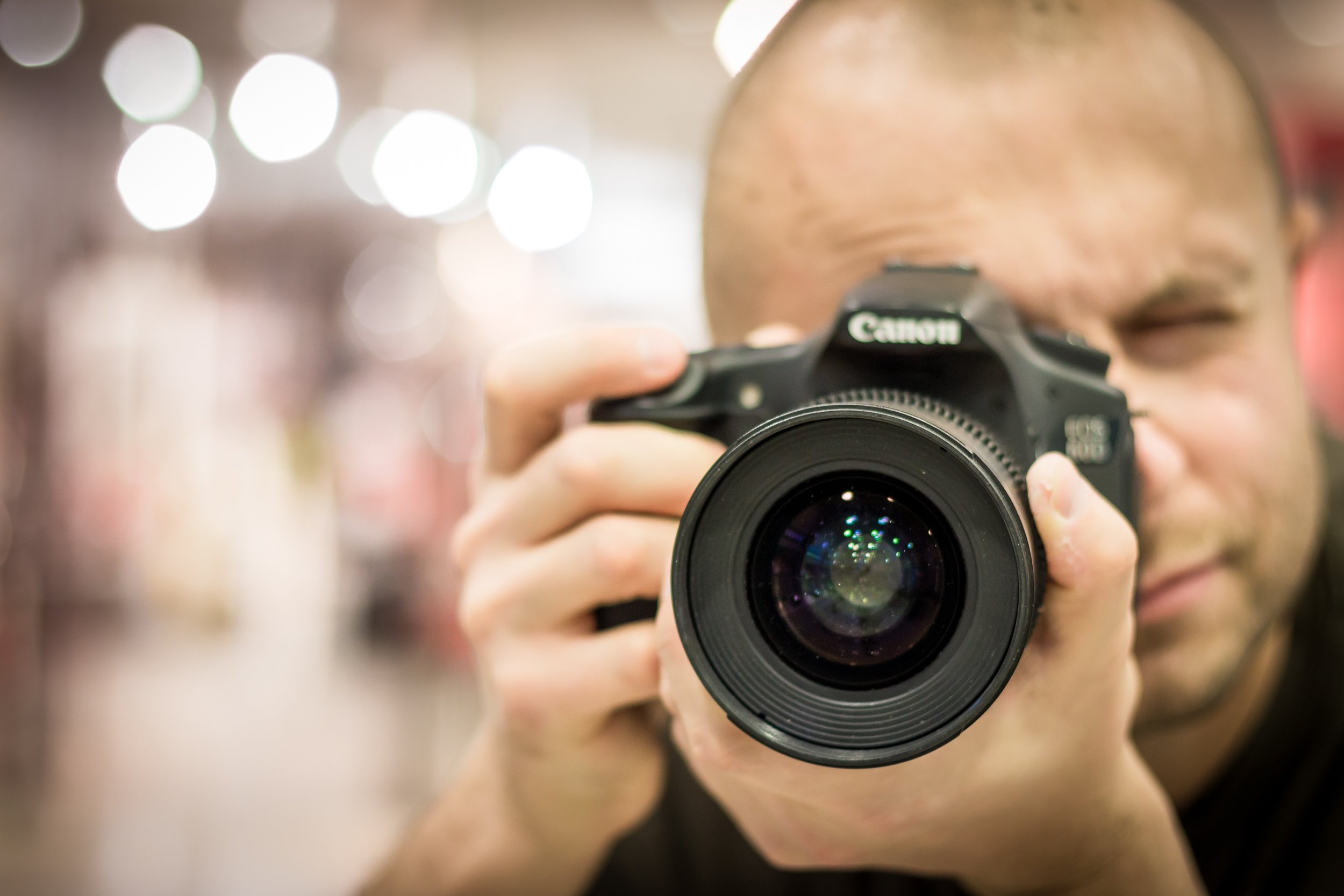 camera-canon-dslr-52985.jpg