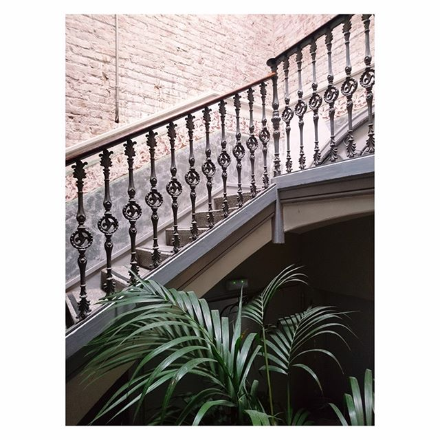 We can't think of anything more inspiring than travelling the world.  So here's a #throwbacktuesday to when Judith visited her all time favorite city Barcelona!⠀⠀⠀⠀⠀⠀⠀⠀⠀ #studiohaver #interiordesign #retaildesign #hospitality⠀⠀⠀⠀⠀⠀⠀⠀⠀ .⠀⠀⠀⠀⠀⠀⠀⠀⠀ .⠀⠀⠀⠀⠀⠀⠀⠀⠀ .⠀⠀⠀⠀⠀⠀⠀⠀⠀ #visitbarcelona #stairsofinstagram #jungalow #houseplantclub #abmtravelbug #dametraveler #mytinyatlas #liveauthentic #finditliveit #travelfolk #gowildandslow #searchwandercollect #slowlivingforlife #elevatedeveryday #optoutside #whyteworks #huffposttravel #aminimalminute #welltravelled #welivetoexplore #doyoutravel #brightaesthetic #trottermag #theprettycities #petitjoys