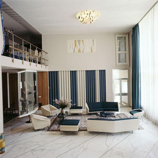 salon-de-la-villa-nemazee_-1964.-_c_-photographie-gio-ponti-archives_-milan copy.jpg