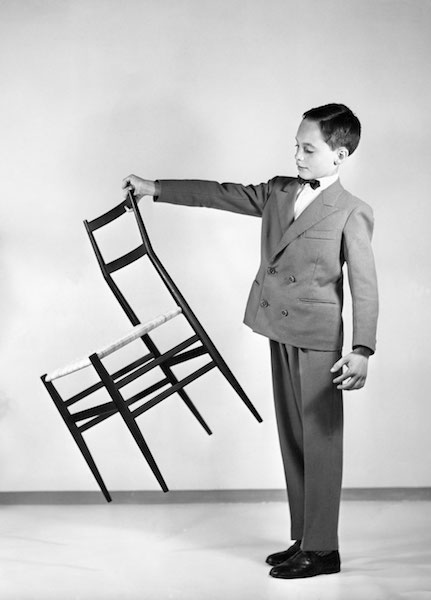 chaise-superleggera_-1957.-_c_-photographie-gio-ponti-archives_-milan copy.jpg