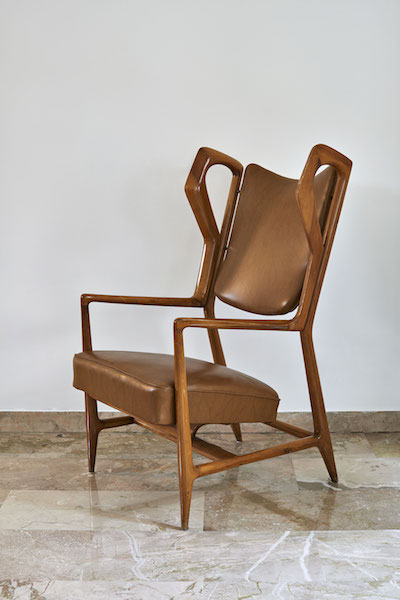 Triennale armchair presented at the 9th Triennale de Milan 1951 copy.jpg