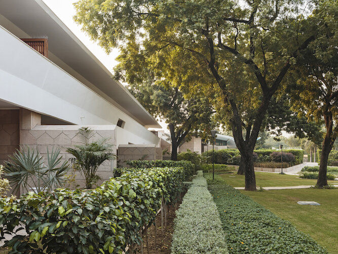 Embassy14_500.jpg