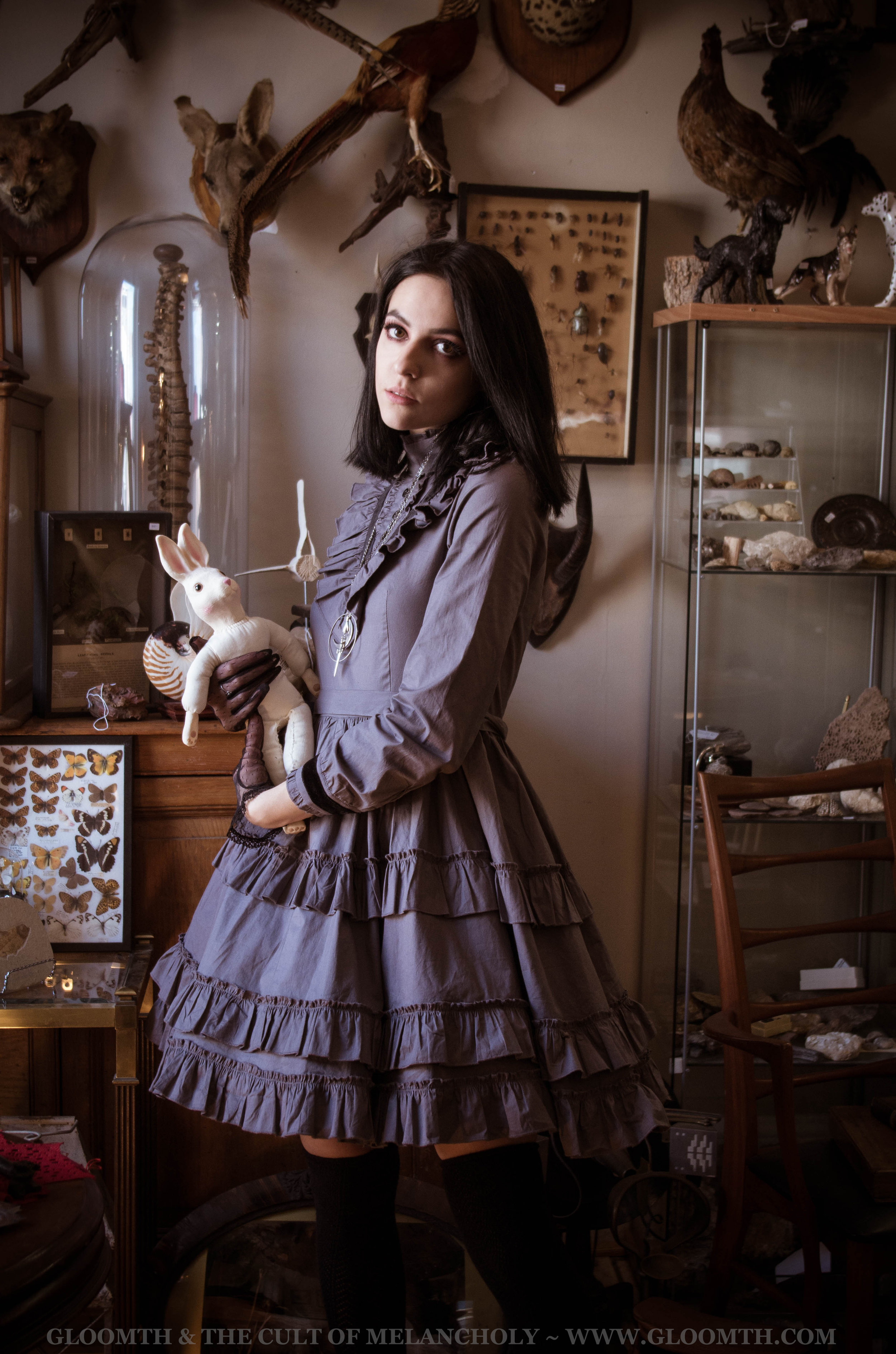 antique-cabinet-of-curiousities-gloomth-lolita-gothic-fashion7.jpg