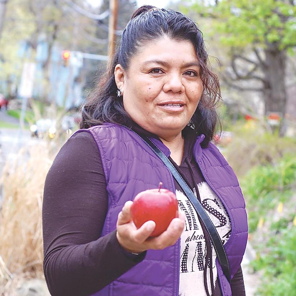 Dolores Bustamante, Community Organizer