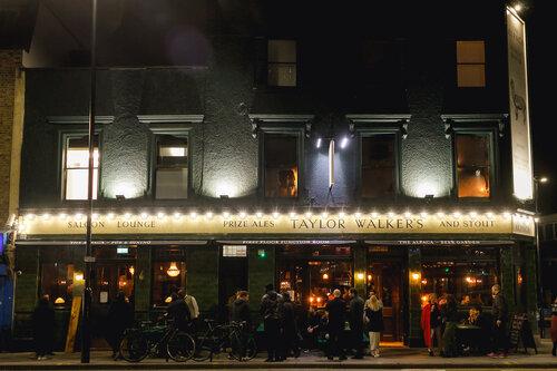 Taylors Walkers Pub outside