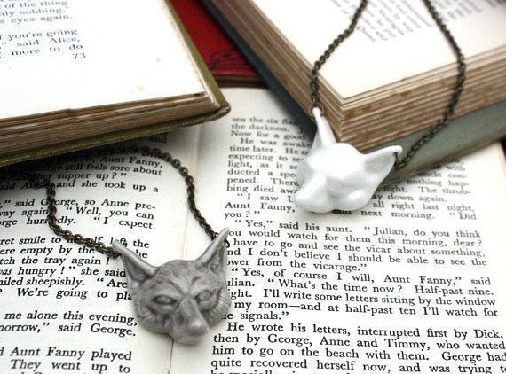 Fox Face Necklace  4 cm wide glazed porcelain fox on a 40 cm or 80 cm long antique gold coloured chain.