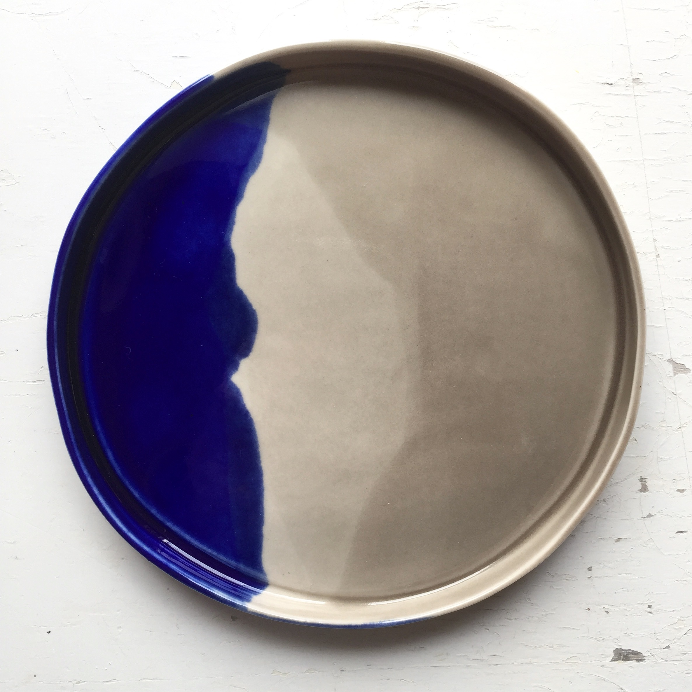 Navy and Grey Wave Dish  Available in 10, 14 and 20 cm diameter.