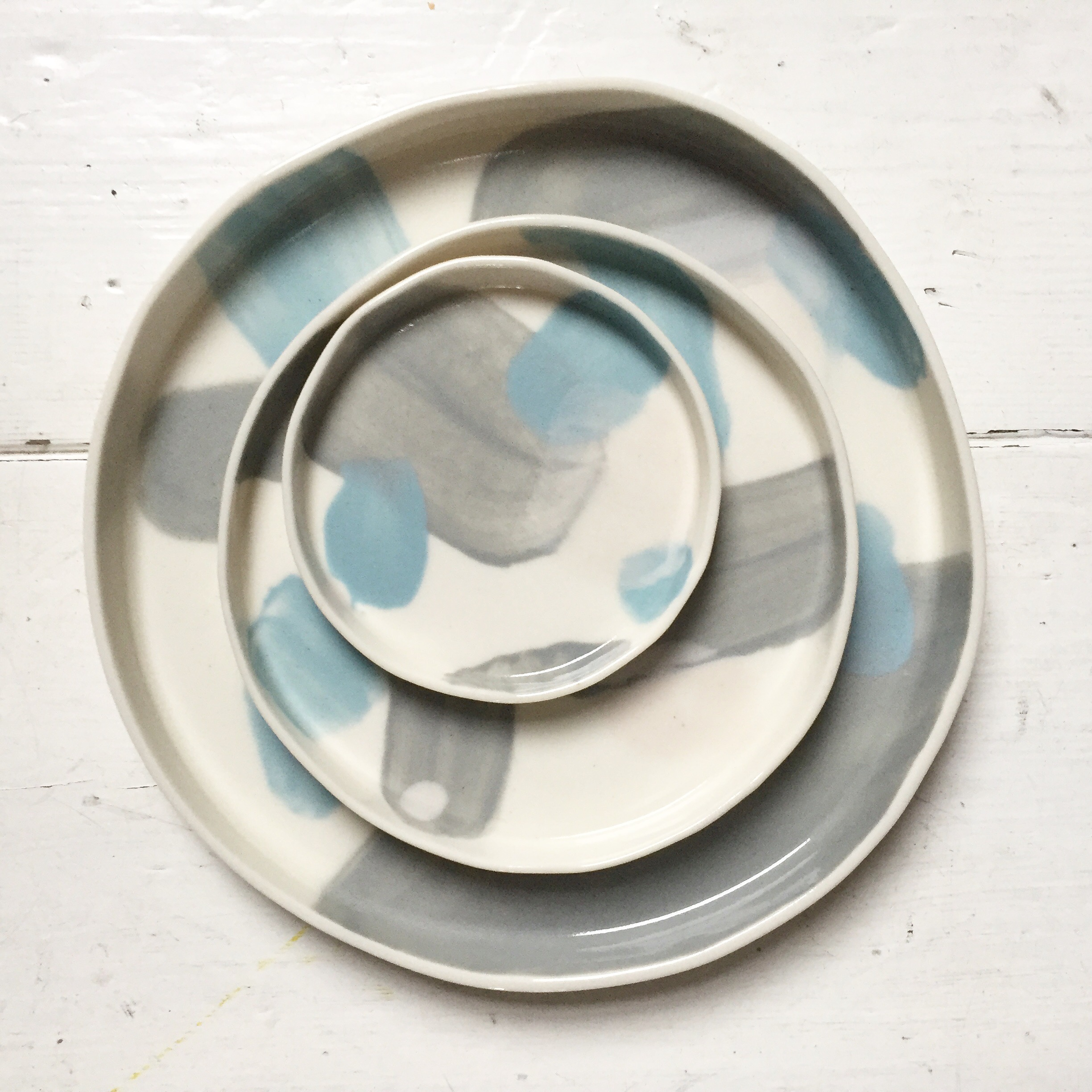 Abstract Pattern Dishes  Intuitively decorated with various coloured slips. Available in 10, 14 and 20 cm diameter.