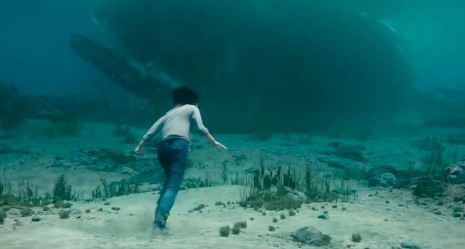 Alita going into the shipwreck
