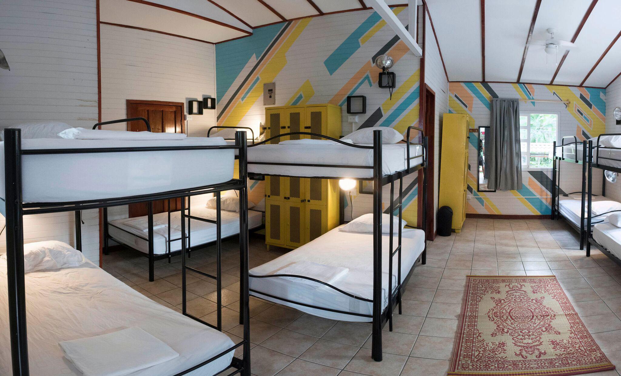 12-Bed-Dorm_001_preview.jpg