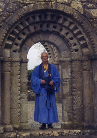 HH Seonaidh Perks abbey.JPG
