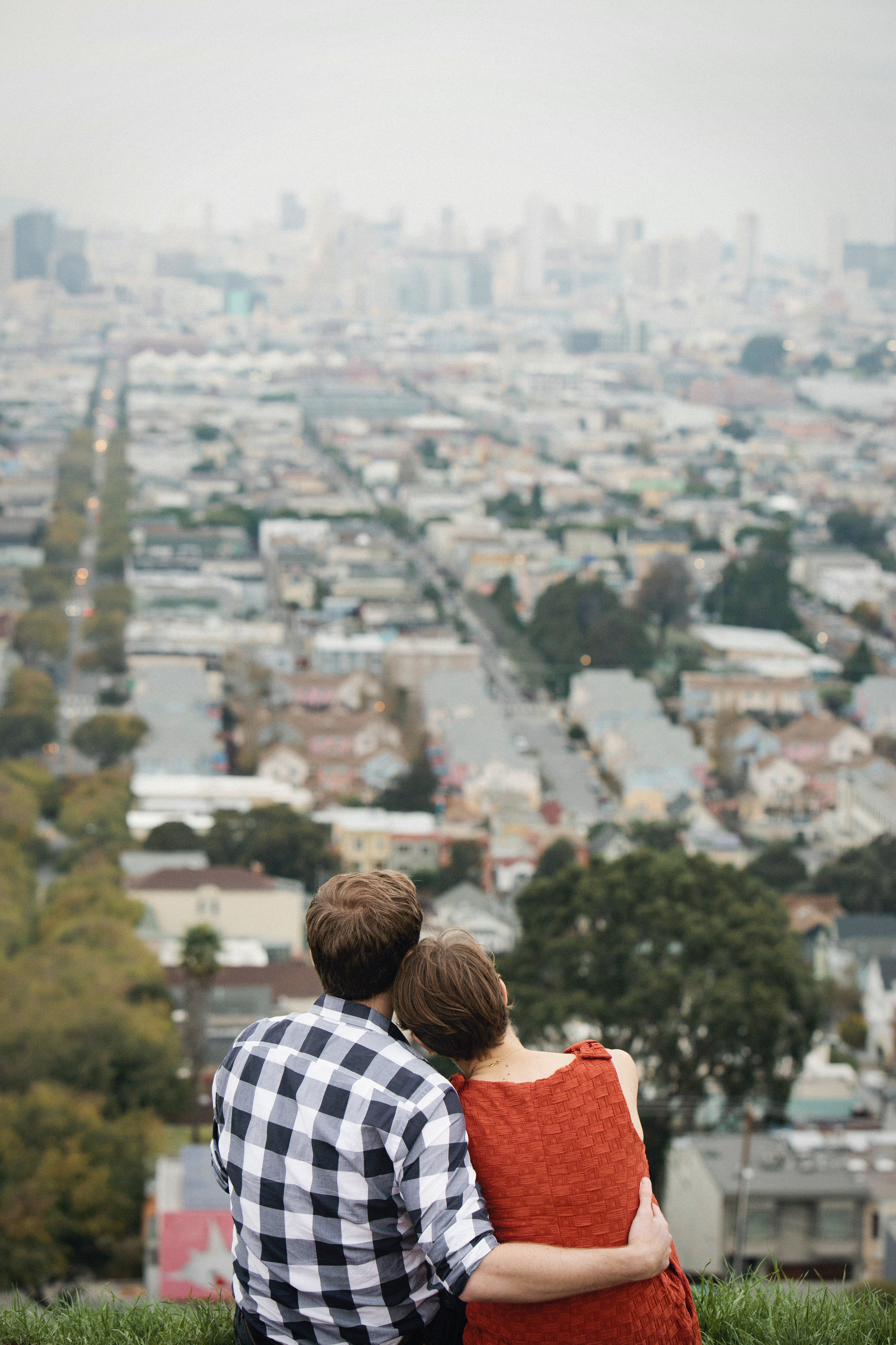 Robin and Zack during their Bernal Hill engagement session.