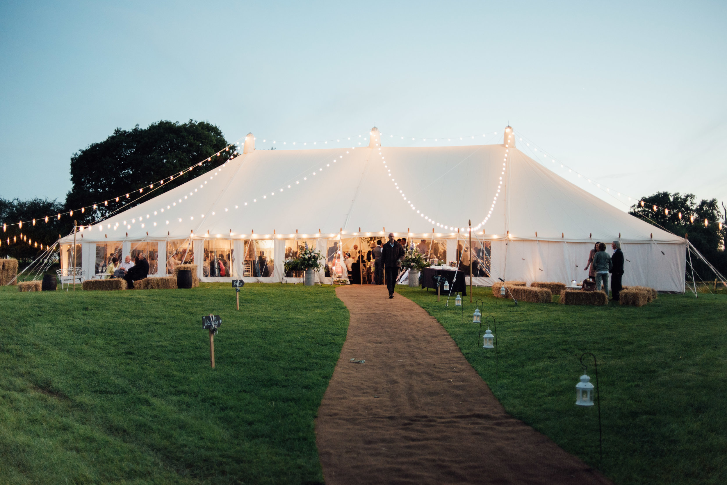 tents'n events - www.tentsnevents.co.uk