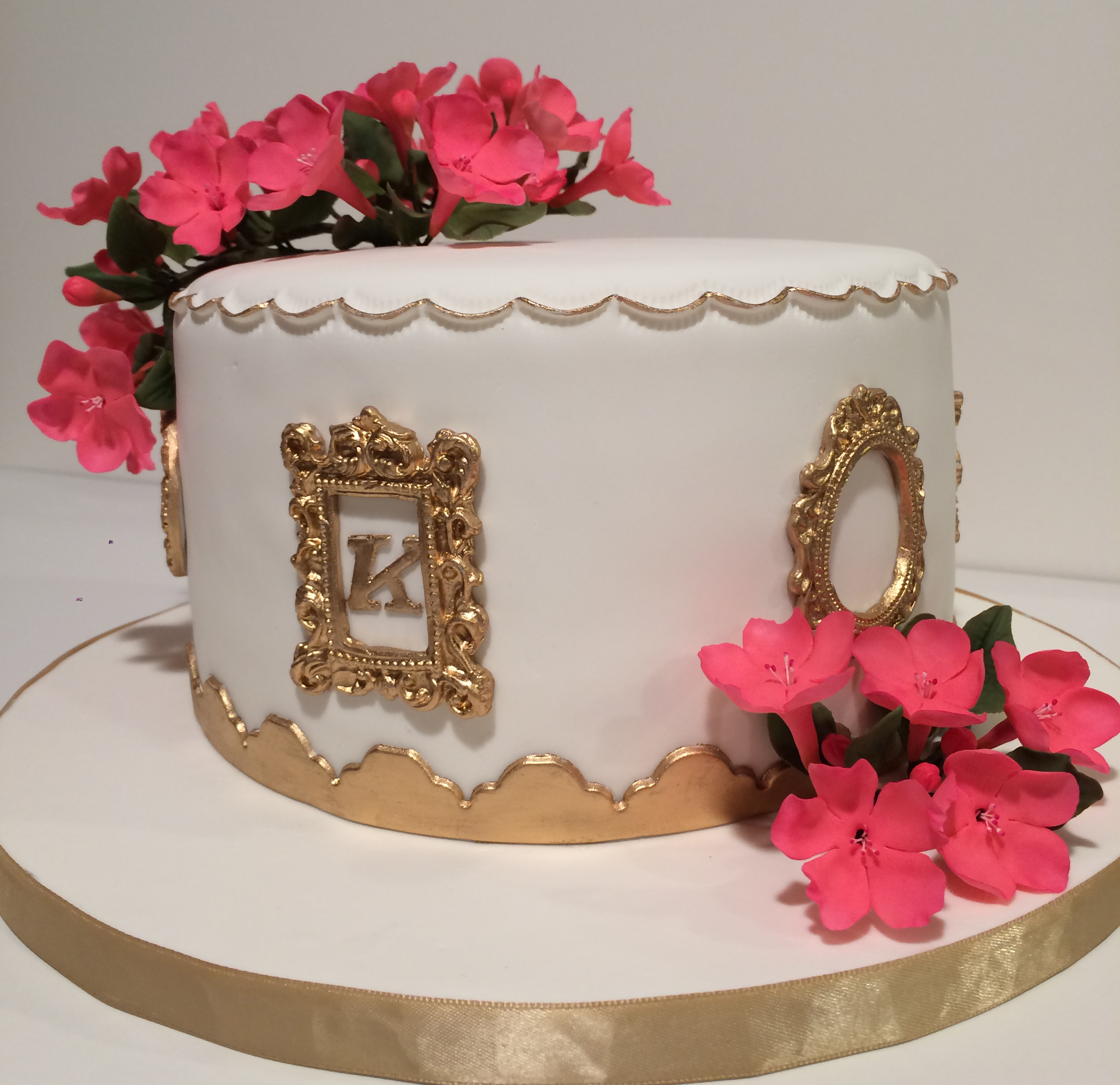 A framer's celebration cake
