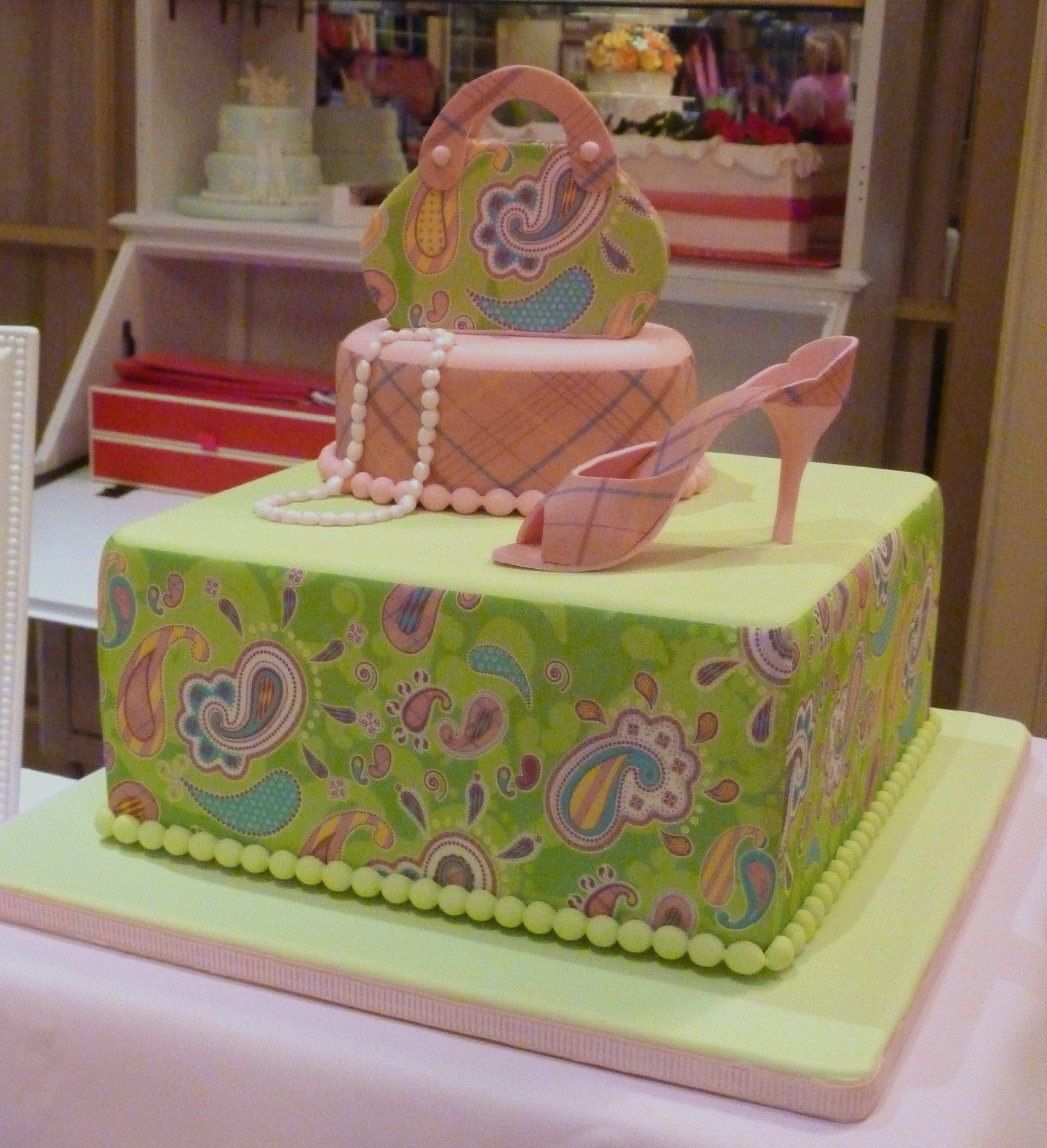 A shopper's celebration cake