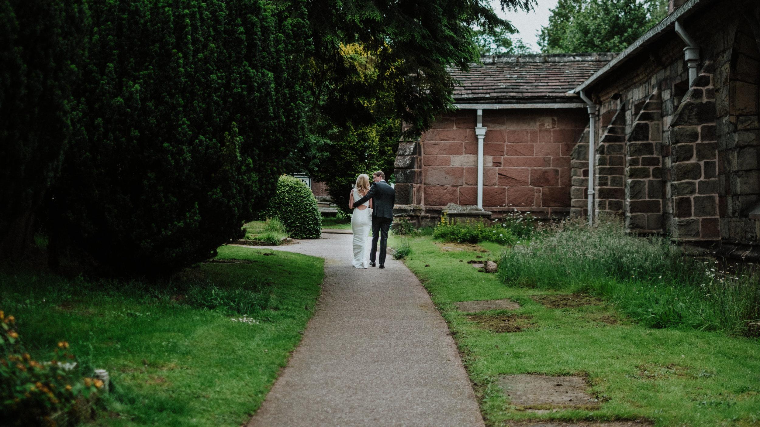 prestbury-cheshire-wedding-photographer-0015.JPG
