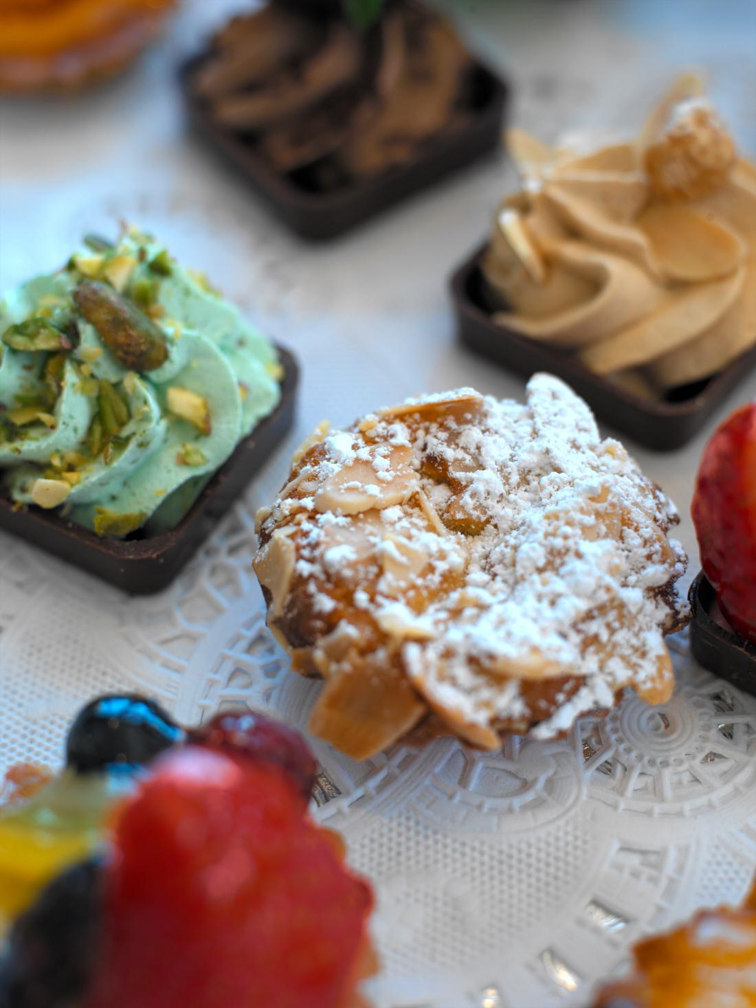froggys_pastries_close_shrm.jpg