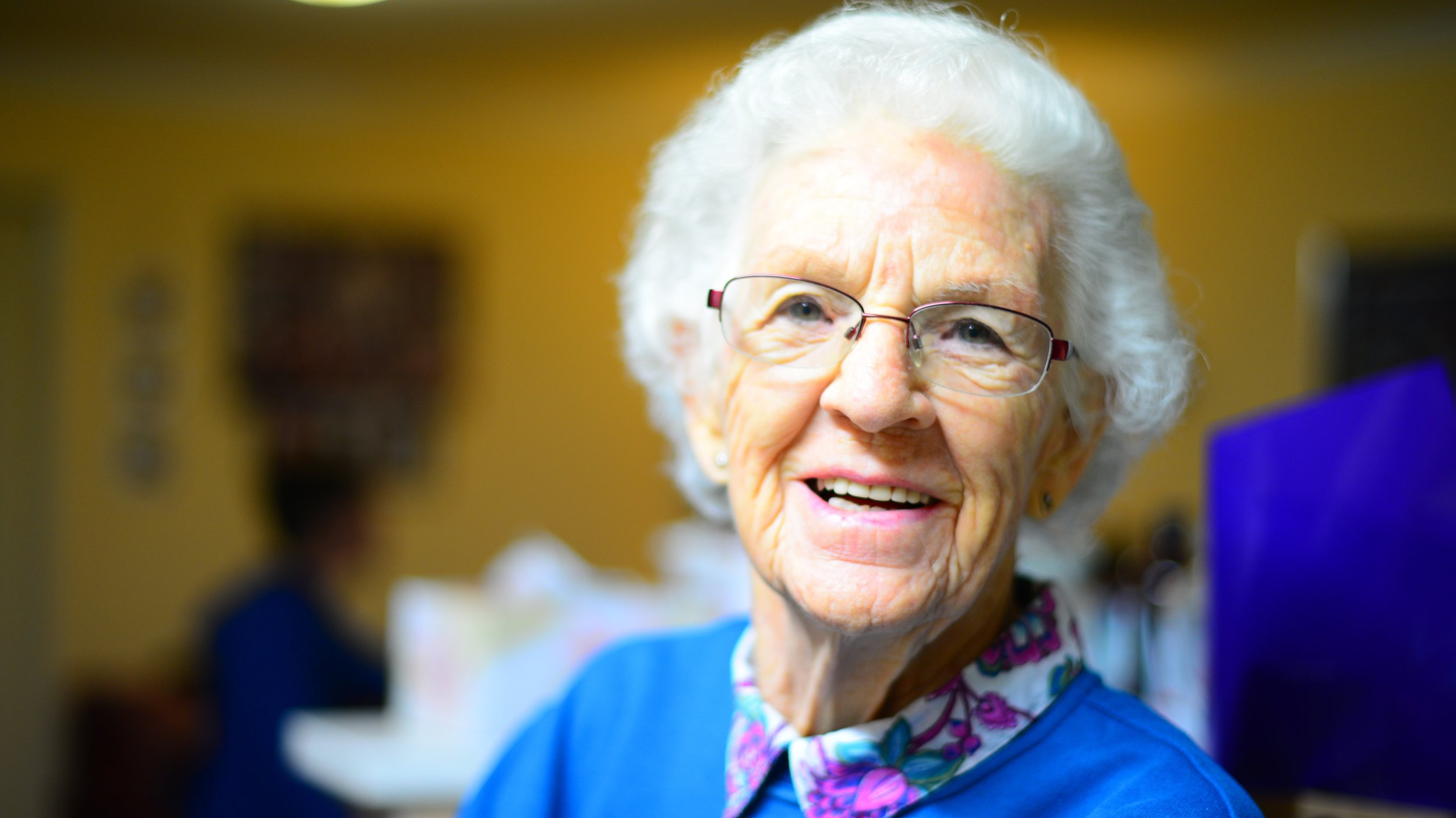 Older person who can benefit from Osteopathy