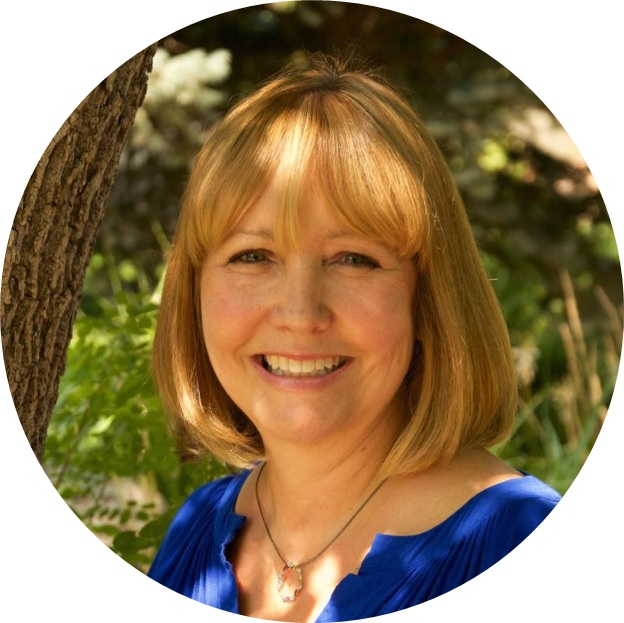Linda Kinnamon is the author of Alchemy of the Afterlife and a former hospice nurse