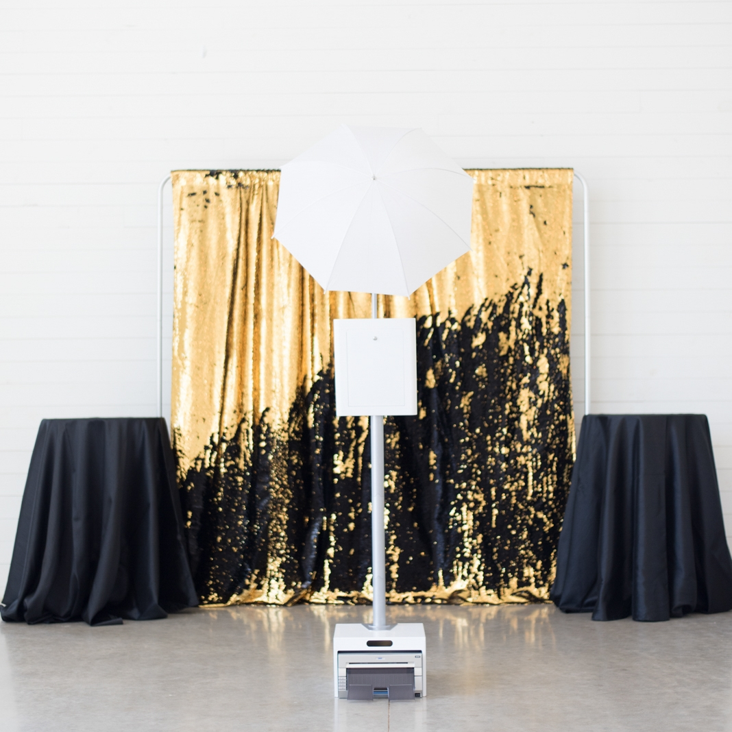 The Vegas - Add some drama to your party with this stunner. Go wild and create your own design, or color in the lines by keeping things all gold or all black.