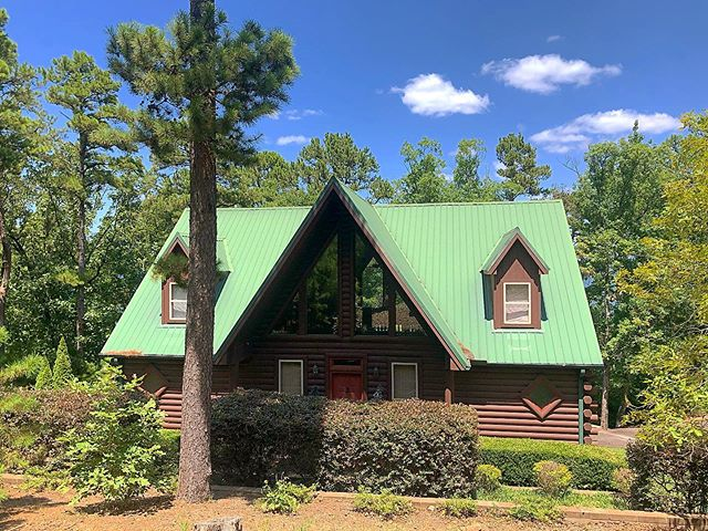 Another fun property coming to Arkansas Vacation Rental! 4 Bedroom, 4 Bathroom, & sleeps 12! Stay tuned for more photos!